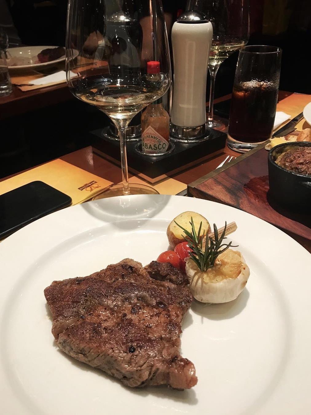 5 nha hang steak dat xat ra mieng noi tieng o Ha Noi hinh anh 21