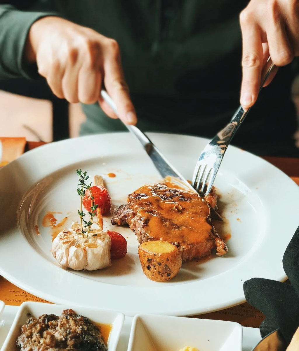 5 nha hang steak dat xat ra mieng noi tieng o Ha Noi hinh anh 24