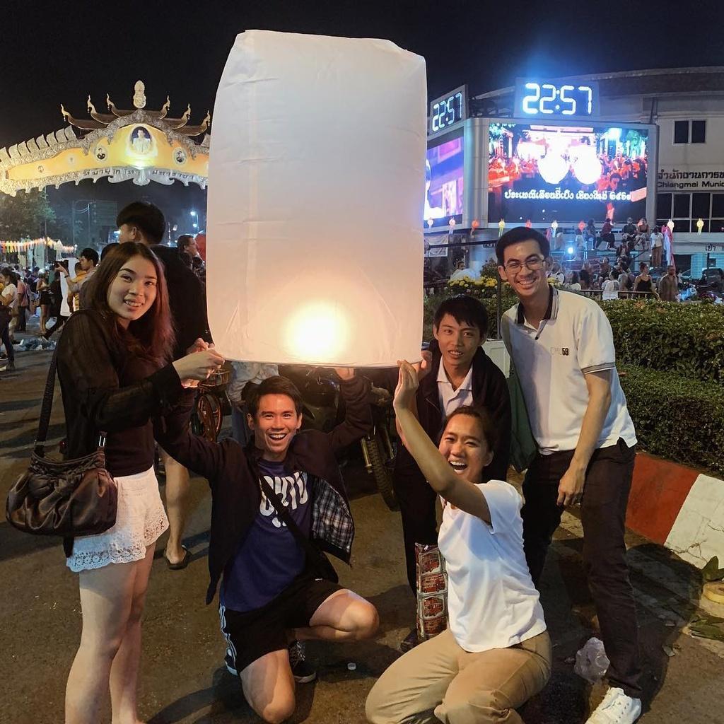 Le hoi tha den Chiang Mai anh 16