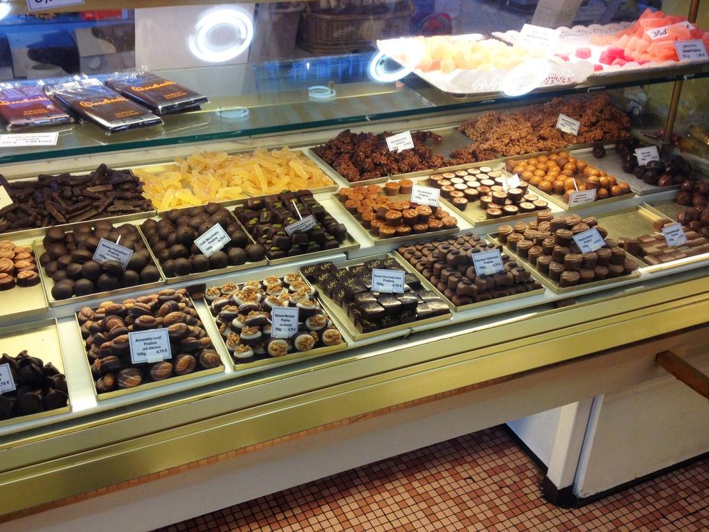 7 thien duong chocolate dan hao ngot kho long bo qua hinh anh 7 things_to_do_in_essen_germany_city_chocolate_shop.jpg