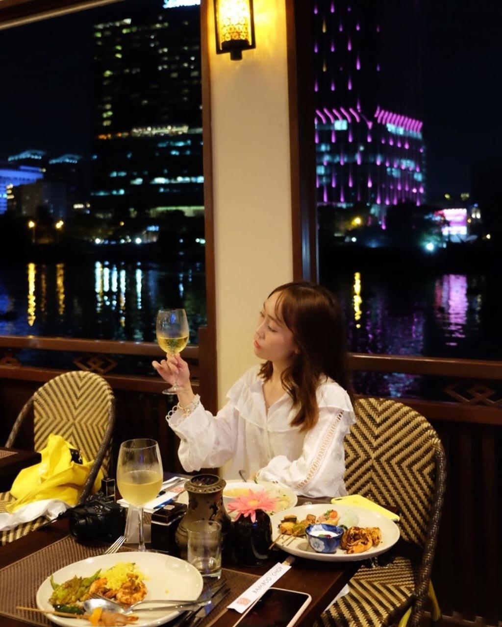 5 nha hang co view bo song lang man danh cho cac cap doi o TP.HCM hinh anh 13 4_phuong_dan_nguyen.jpg