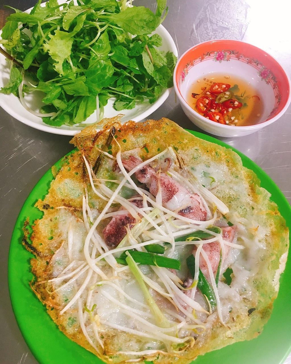 Nhung khu am thuc noi tieng hut khach o Da Nang hinh anh 8 5_chuxjnk_eating.jpg