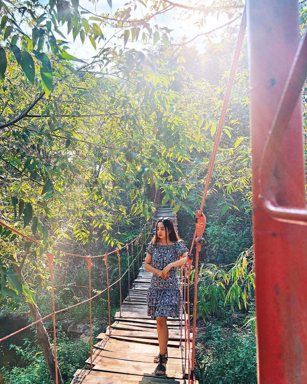 'Xich du to ken' dep tua Bali thu hut gioi tre check-in o Tay Nguyen hinh anh 12