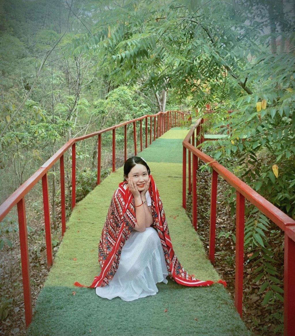 'Xich du to ken' dep tua Bali thu hut gioi tre check-in o Tay Nguyen hinh anh 13