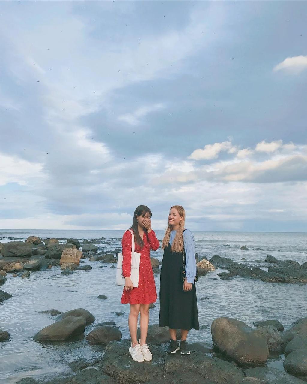 Bên cạnh những chia sẻ về bãi biển xanh mát, hải sản ngon, du khách còn bày tỏ về vấn đề rác thải ở khu vực biển Cửa Tùng.