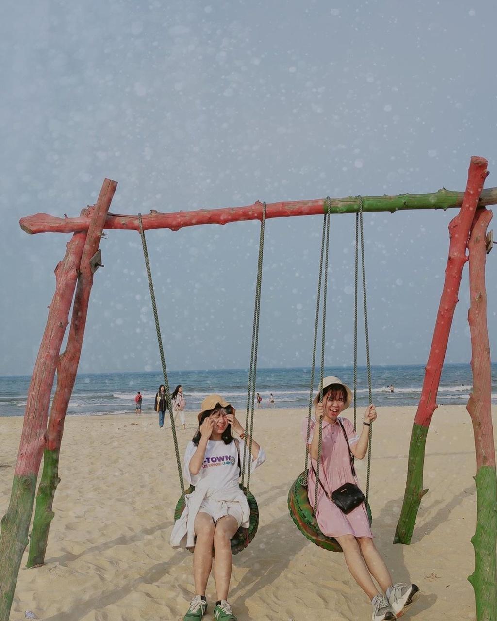 Bien Cua Tung dep hoang so hut gioi tre den Quang Tri hinh anh 8