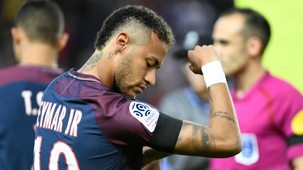 Mbappe va Neymar linh xuong doi hinh hay nhat the gioi nam 2022 hinh anh 10