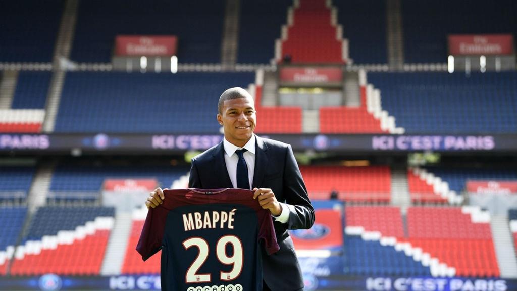 Mbappe va Neymar linh xuong doi hinh hay nhat the gioi nam 2022 hinh anh 9