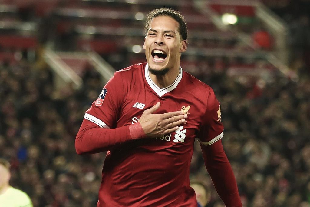 Ronaldo, Salah linh xuong hang cong doi hinh ket hop Real - Liverpool hinh anh 4