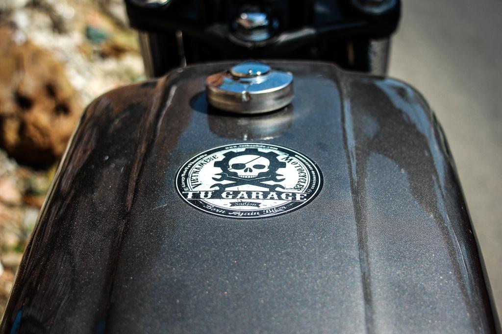 Honda CB400SF 15 tuoi lot xac voi phong cach tracker tai Sai Gon hinh anh 6