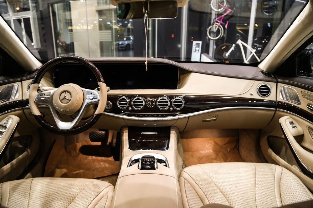 Can canh Mercedes-Benz S450 anh 7