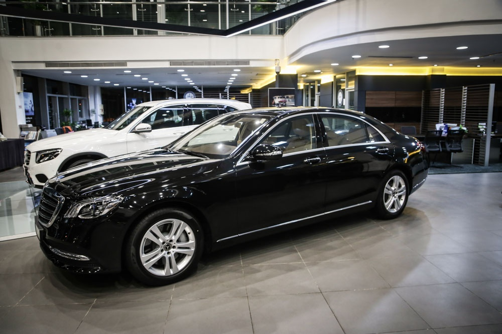 Can canh Mercedes-Benz S450 anh 19