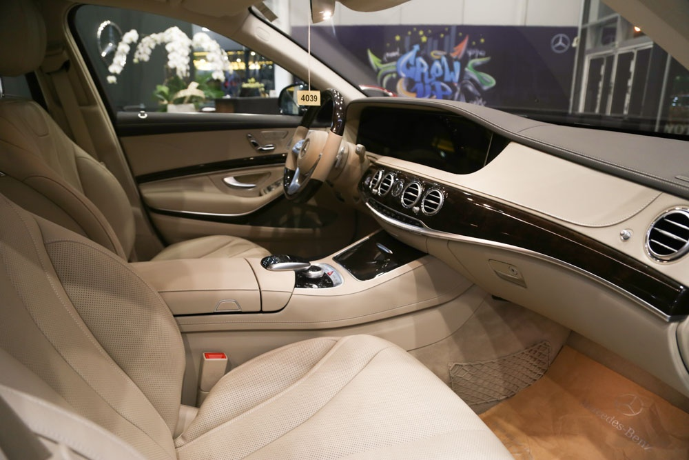 Can canh Mercedes-Benz S450 anh 12