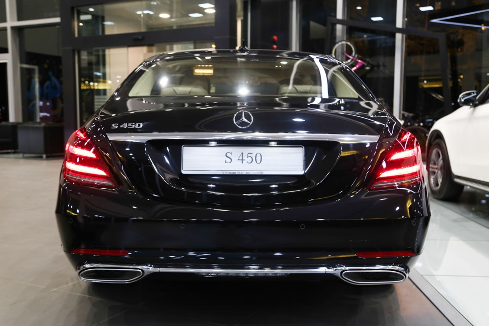 Can canh Mercedes-Benz S450 anh 6