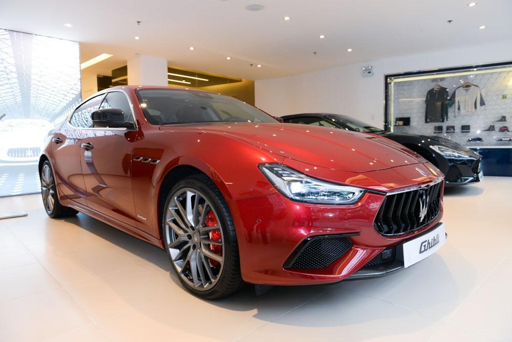 Maserati Ghibli GranSport 2018 dau tien xuat hien tai Viet Nam hinh anh 1