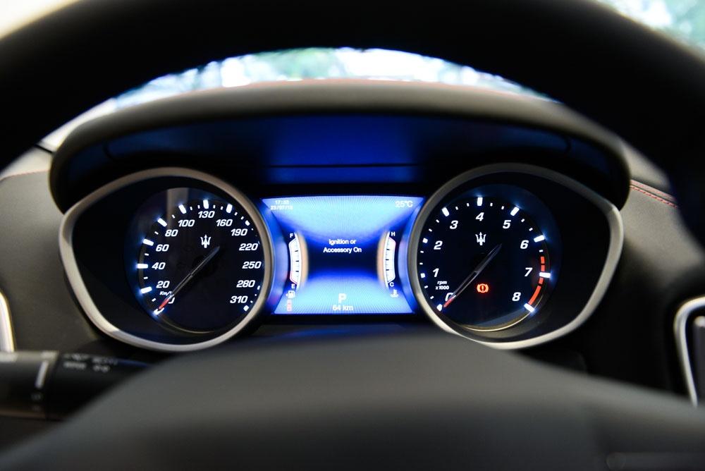 Maserati Ghibli GranSport 2018 dau tien xuat hien tai Viet Nam hinh anh 7