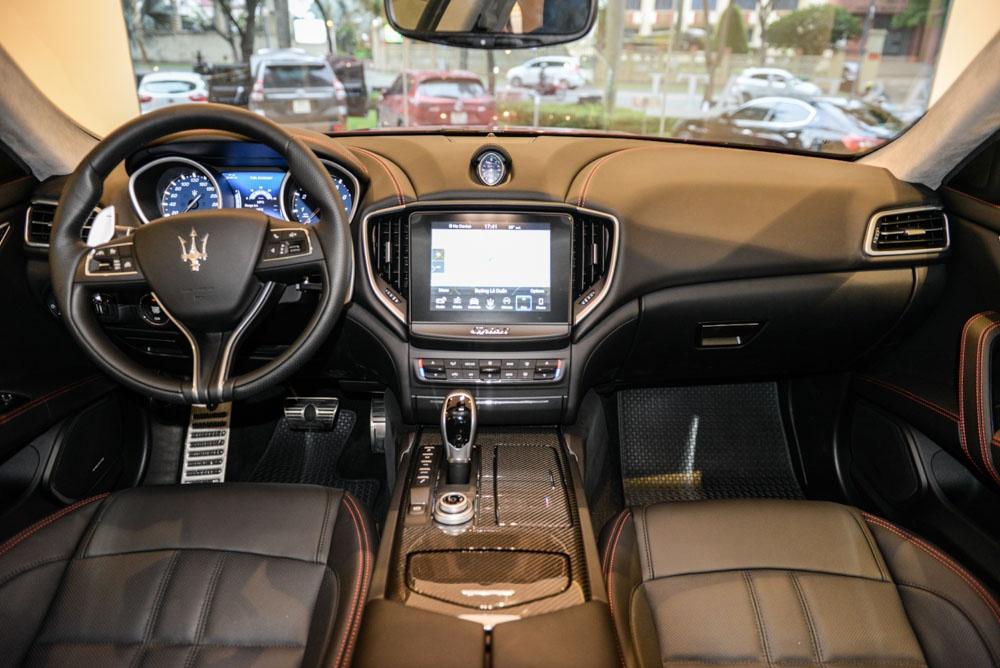Maserati Ghibli GranSport 2018 dau tien xuat hien tai Viet Nam hinh anh 6