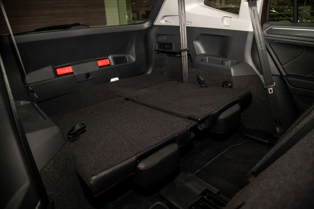 Danh gia Volkswagen Tiguan Allspace: Thuc dung, on dinh hinh anh 7