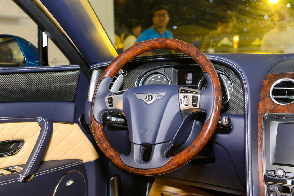 Chi tiet Bentley Flying Spur V8 S gia hon 16,8 ty dau tien tai VN hinh anh 9