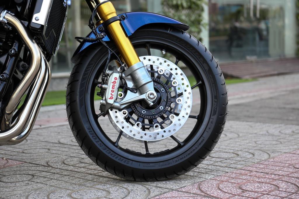 Honda CB1300 Super Four SP dau tien ve Viet Nam, gia 488 trieu dong hinh anh 5
