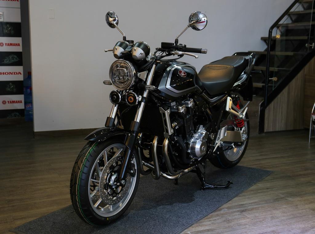 Honda CB1300 Super Four SP dau tien ve Viet Nam, gia 488 trieu dong hinh anh 11