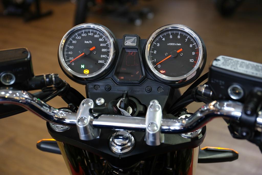 Honda CB1300 Super Four SP dau tien ve Viet Nam, gia 488 trieu dong hinh anh 9
