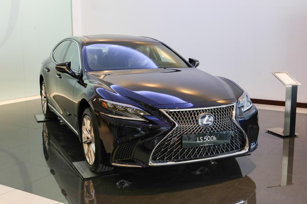 Chi tiet Lexus LS500h 2019 gia 8,75 ty dong vua ra mat o VN hinh anh 2