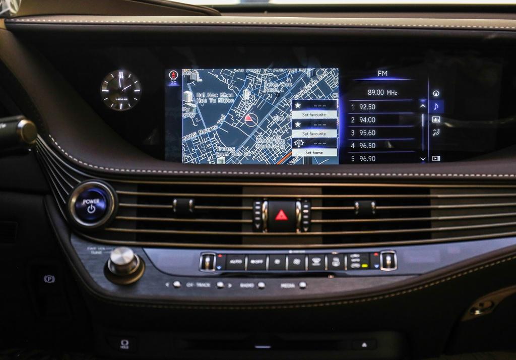 Chi tiet Lexus LS500h 2019 gia 8,75 ty dong vua ra mat o VN hinh anh 8