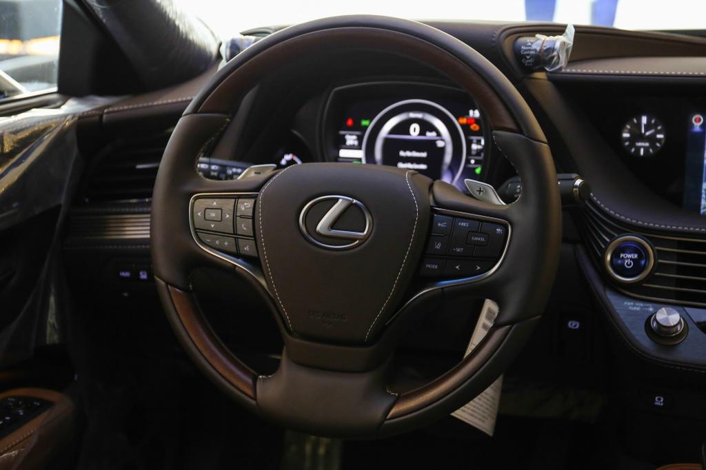 Chi tiet Lexus LS500h 2019 gia 8,75 ty dong vua ra mat o VN hinh anh 12