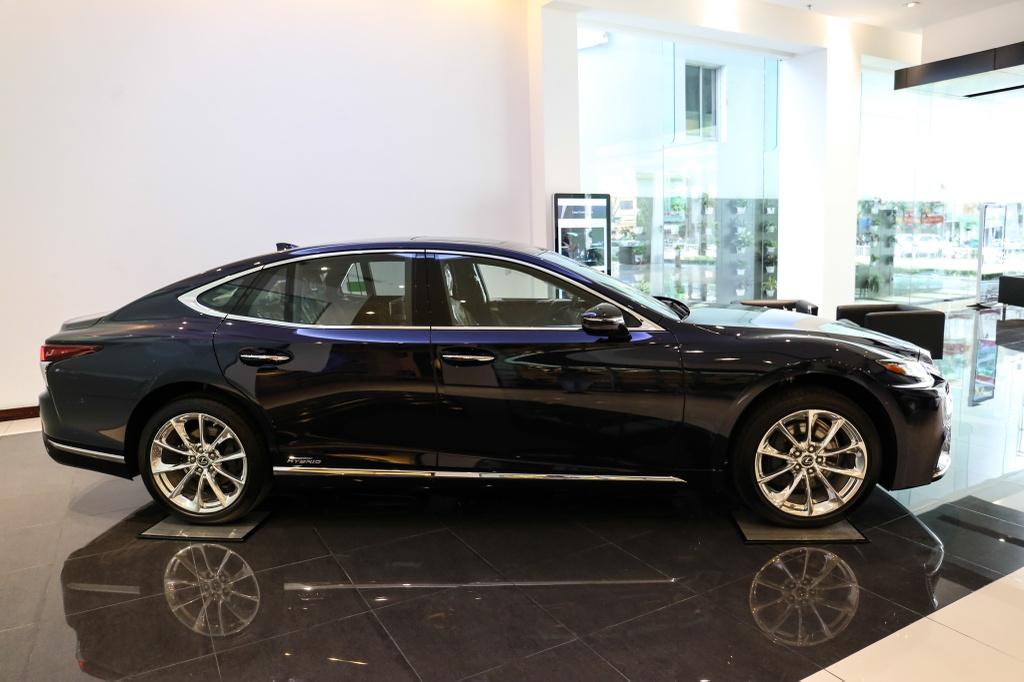 Chi tiet Lexus LS500h 2019 gia 8,75 ty dong vua ra mat o VN hinh anh 4