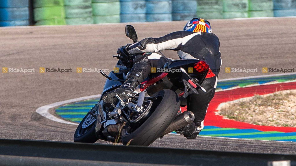 Sportbike Triumph Daytona 765 chay thu nghiem, cho ngay ra mat hinh anh 3