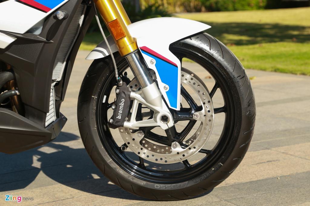 Chi tiet mau moto BMW S1000XR 2019, gia 579 trieu tai VN hinh anh 4