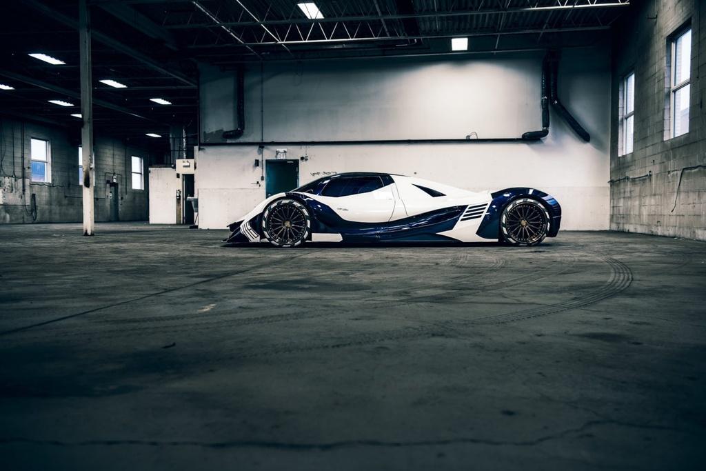 Can canh Ac quy Devel Sixteen manh gap 3 lan Bugatti Chiron hinh anh 2