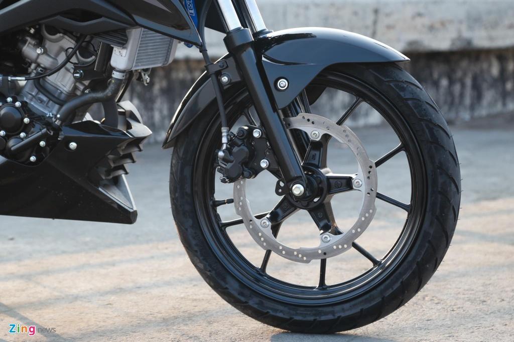 Suzuki GSX150 Bandit va Yamaha MT-15 - cuoc chien nakedbike 150 cc hinh anh 9