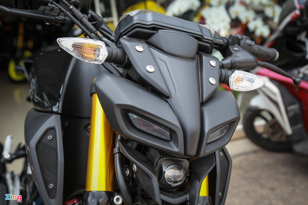 Suzuki GSX150 Bandit va Yamaha MT-15 - cuoc chien nakedbike 150 cc hinh anh 4
