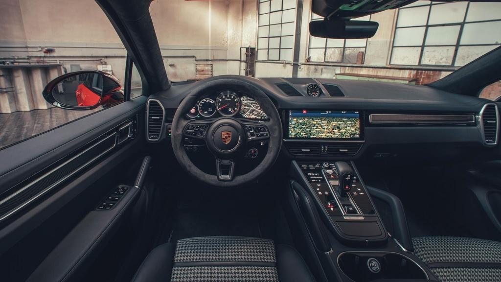 Porsche Cayenne moi ra mat anh 8