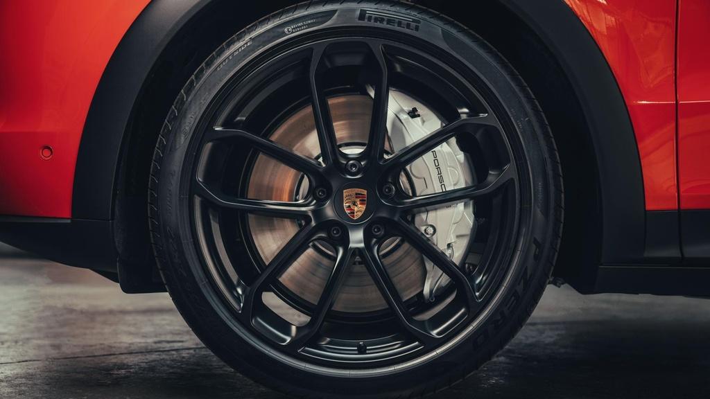 Porsche Cayenne moi ra mat anh 7
