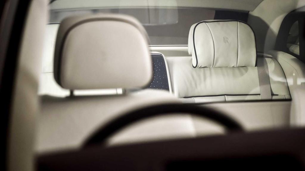 Rolls-Royce Phantom co them cabin rieng anh 2