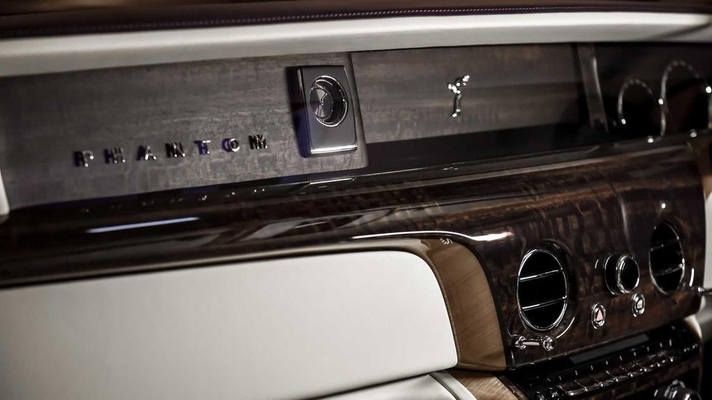 Rolls-Royce Phantom co them cabin rieng anh 8