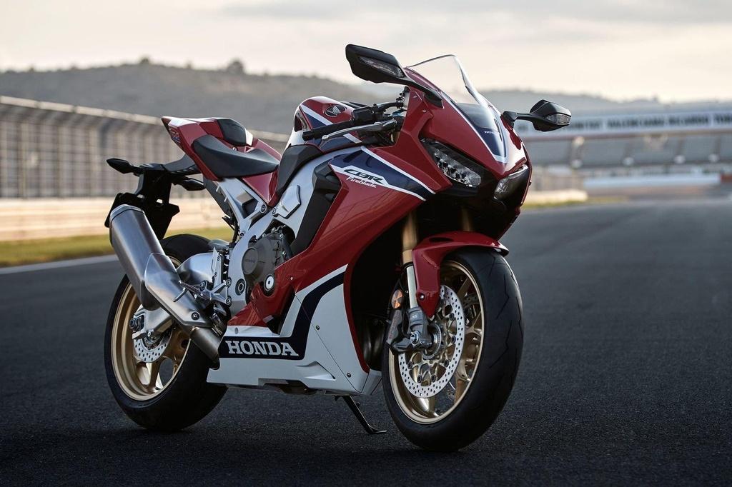 10 mau sportbike tot nhat 2019 anh 4