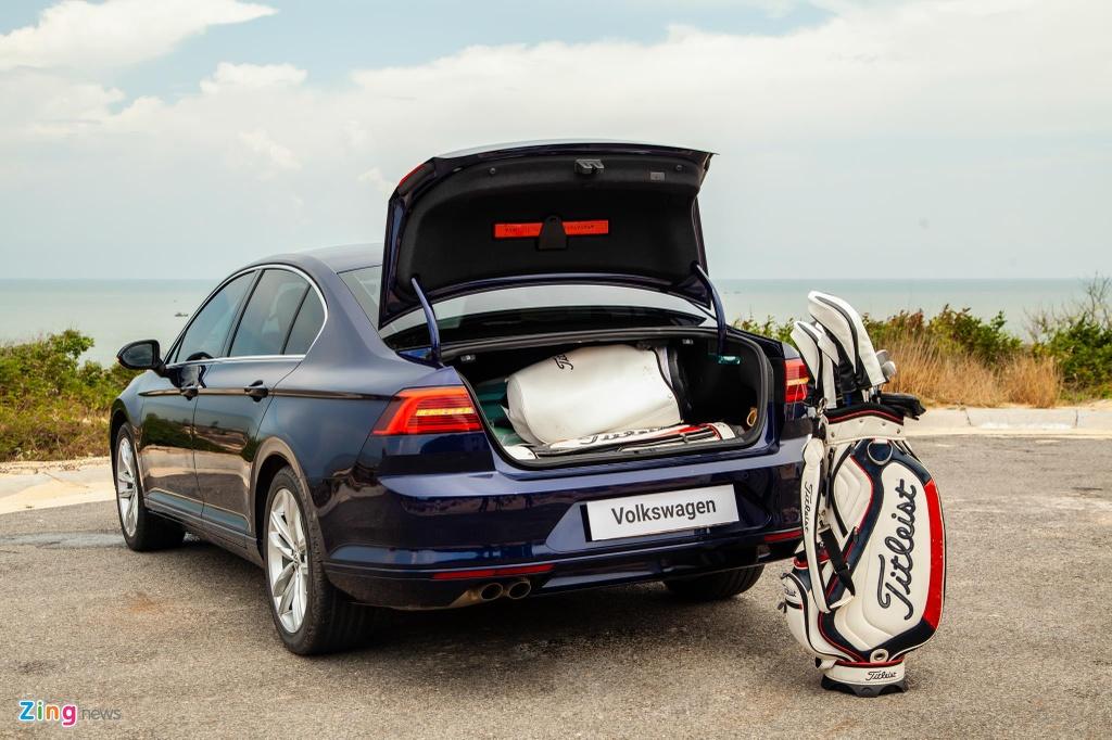 Danh gia Volkswagen Passat BlueMotion anh 19