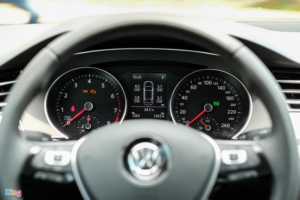Danh gia Volkswagen Passat BlueMotion anh 14