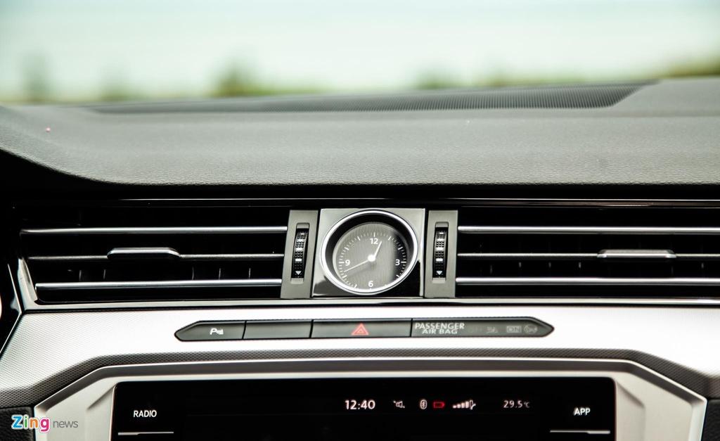 Danh gia Volkswagen Passat BlueMotion anh 13