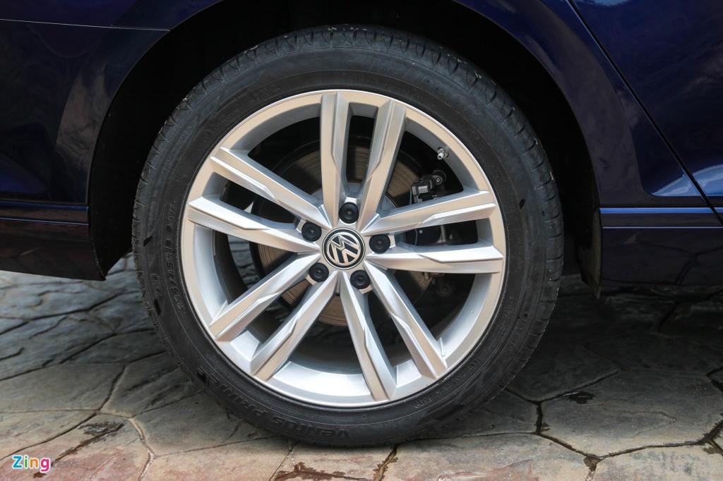 Danh gia Volkswagen Passat BlueMotion anh 5