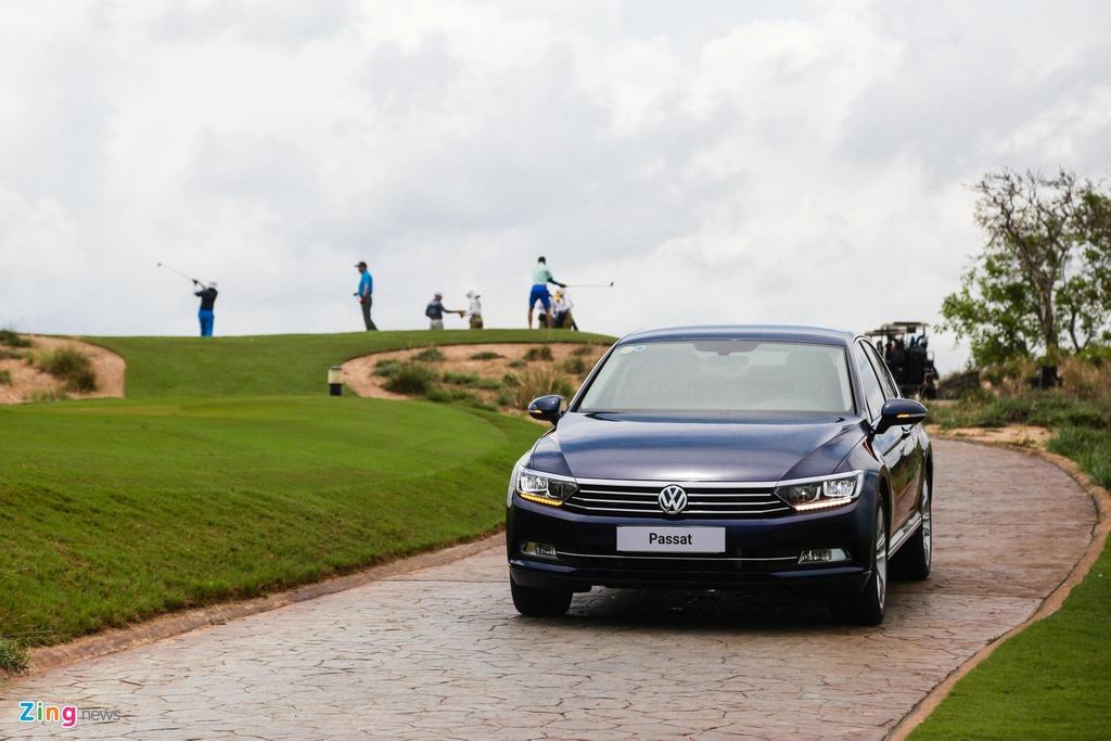 Danh gia Volkswagen Passat BlueMotion anh 21