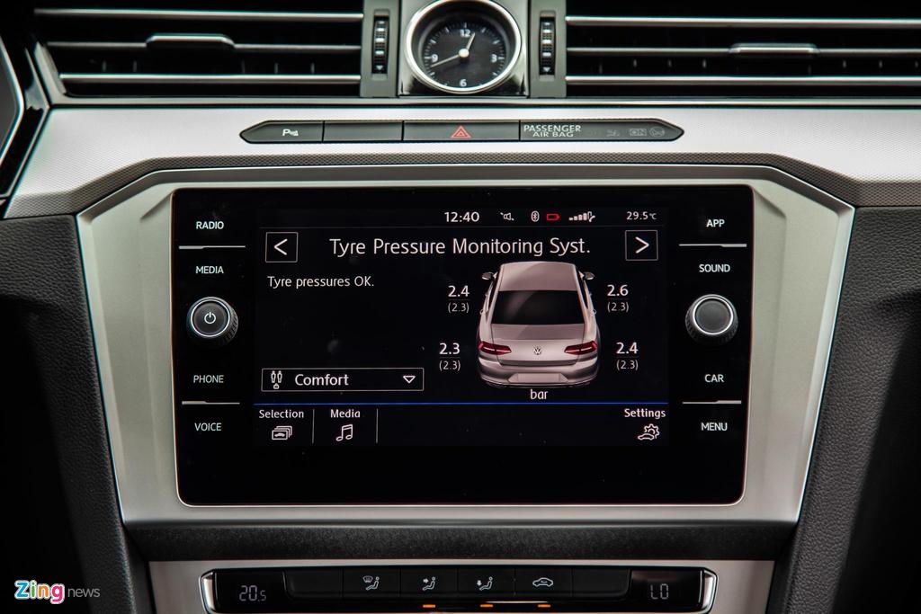 Danh gia Volkswagen Passat BlueMotion anh 11