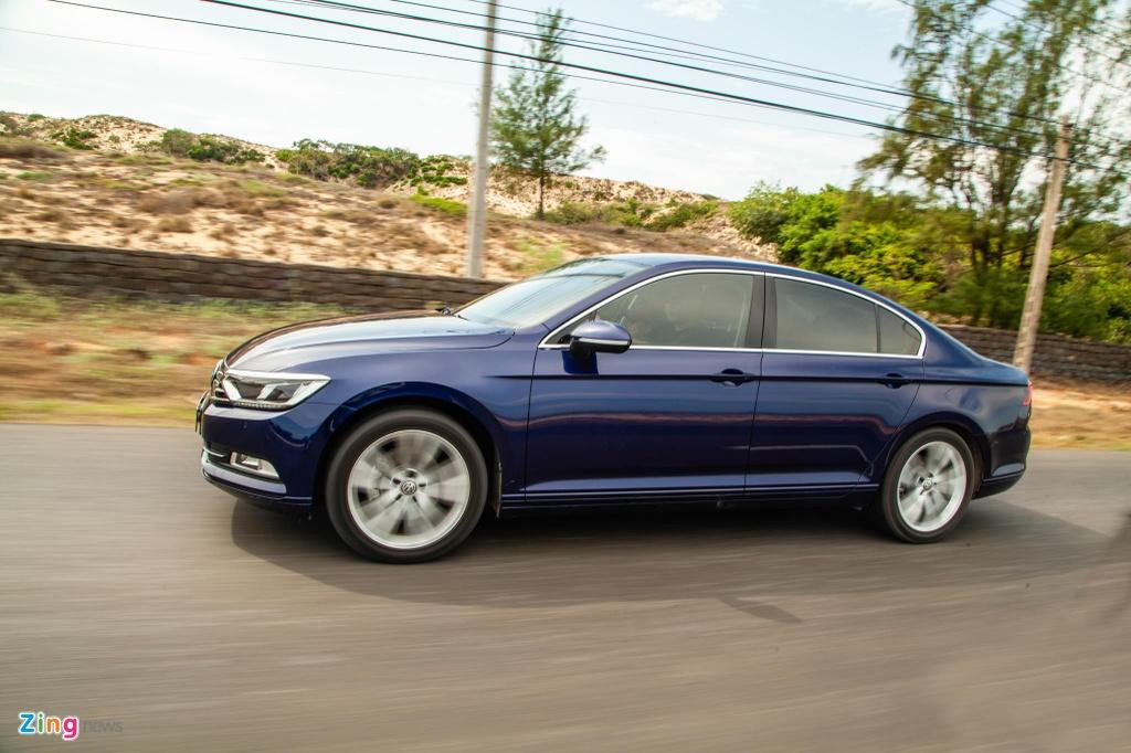 Danh gia Volkswagen Passat BlueMotion anh 18