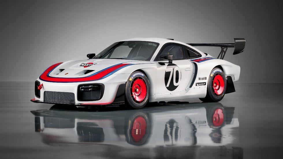 Sieu xe dua Porsche 935 co 7 dien mao moi, gioi han 77 chiec hinh anh 1