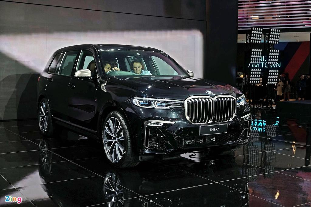 BMW X7, Mercedes-Benz GLE va nhieu mau xe sang ruc rich cap ben VN hinh anh 1