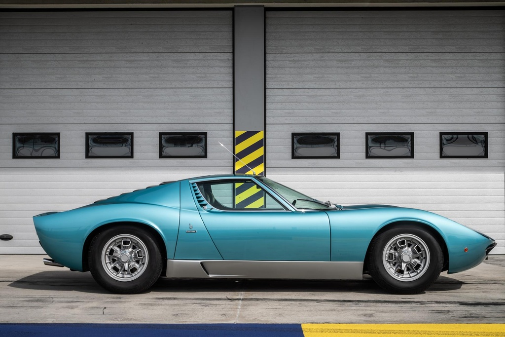 Sieu xe Lamborghini Miura doi 1971 hoi sinh nhu moi hinh anh 4